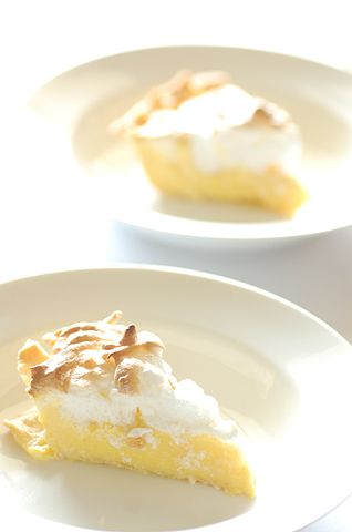 318px-Mums_lemon_meringue_pie